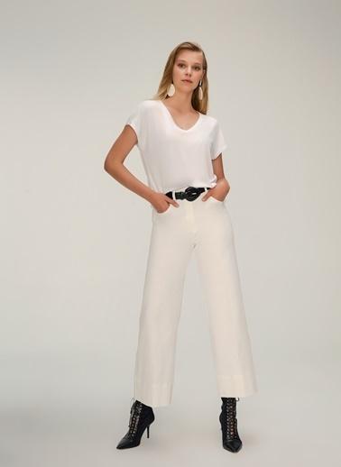 NGSTYLE V Yaka Basic Tshirt Beyaz